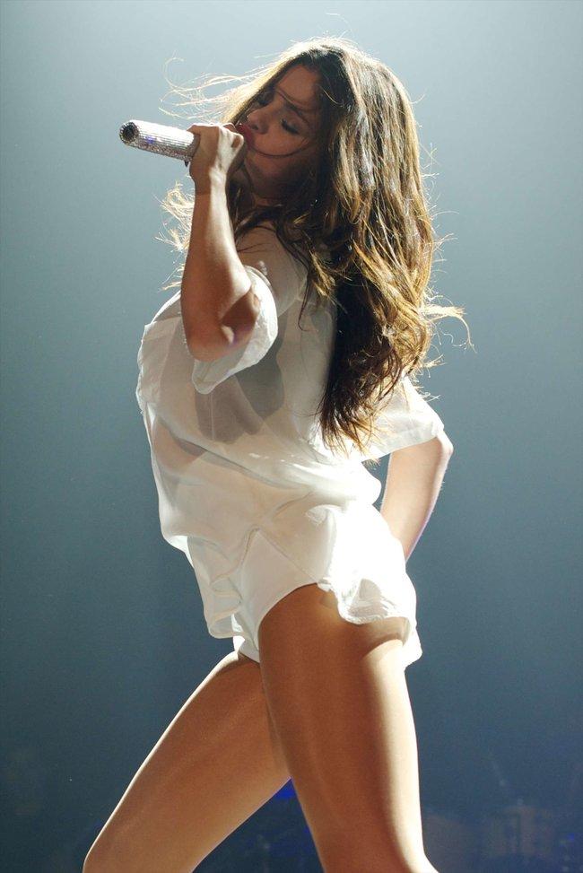 Мировое турне Селены Гомес «Stars Dance»: выступление в Испании: selena-gomez-hot-concert-photos-stars-dance-tour-in-spain--06_Starbeat.ru