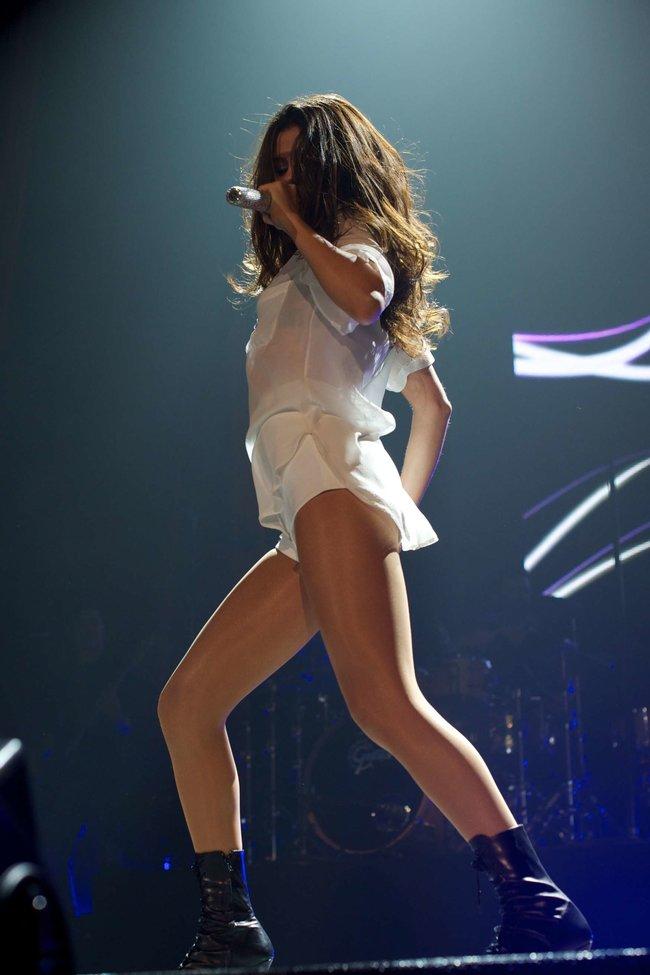 Мировое турне Селены Гомес «Stars Dance»: выступление в Испании: selena-gomez-hot-concert-photos-stars-dance-tour-in-spain--07_Starbeat.ru