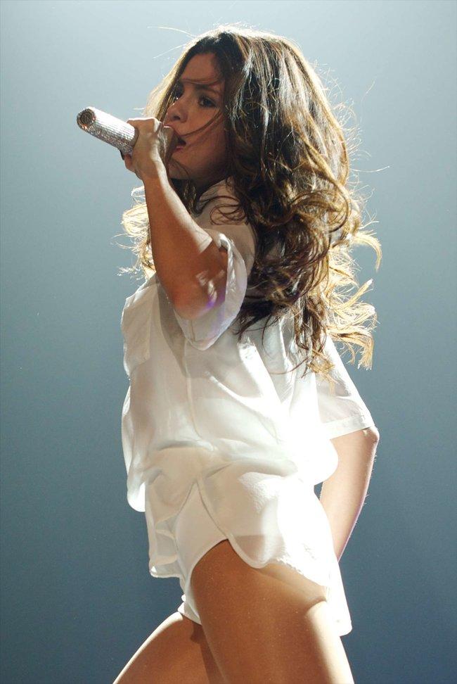 Мировое турне Селены Гомес «Stars Dance»: выступление в Испании: selena-gomez-hot-concert-photos-stars-dance-tour-in-spain--24_Starbeat.ru
