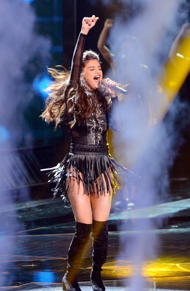 Выступление Селены Гомес на голливудской сцене: «The X-Factor»: selena-gomez-x-factor-performance--12_Starbeat.ru
