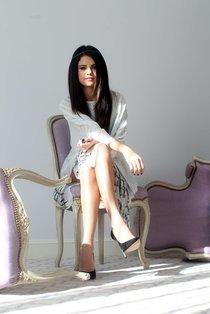 «Paris Match»: фотосессия Селены Гомес: selena-gomez---spring-breakers-portraits--01_Starbeat.ru