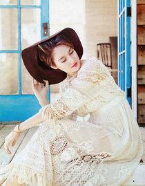 Шейлин Вудли на страницах журнала «Bust» (февраль-март 2014): shailene-woodley-bust-magazine-2014--01_Starbeat.ru