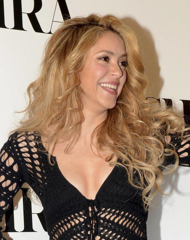 Фотоколл нового альбома Шакиры в Испании: «Shakira»: shakira-10_Starbeat.ru