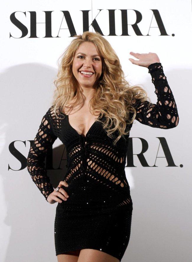 Фотоколл нового альбома Шакиры в Испании: «Shakira»: shakira-11_Starbeat.ru