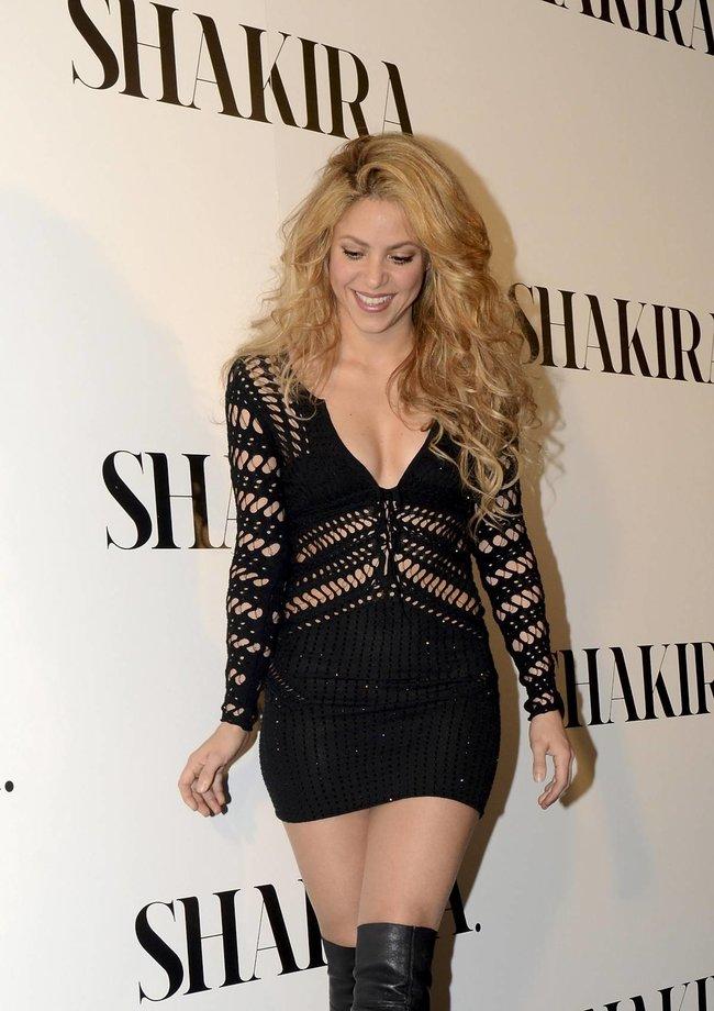 Фотоколл нового альбома Шакиры в Испании: «Shakira»: shakira-121_Starbeat.ru