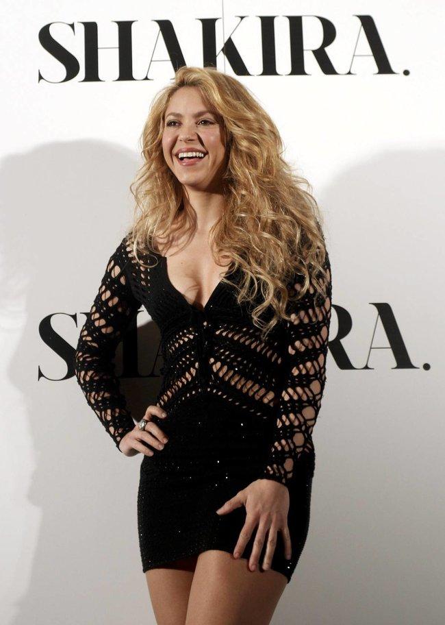 Фотоколл нового альбома Шакиры в Испании: «Shakira»: shakira-13_Starbeat.ru