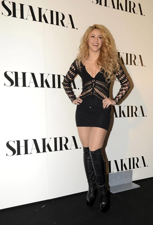Фотоколл нового альбома Шакиры в Испании: «Shakira»: shakira-15_Starbeat.ru