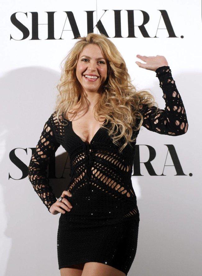 Фотоколл нового альбома Шакиры в Испании: «Shakira»: shakira-2_Starbeat.ru