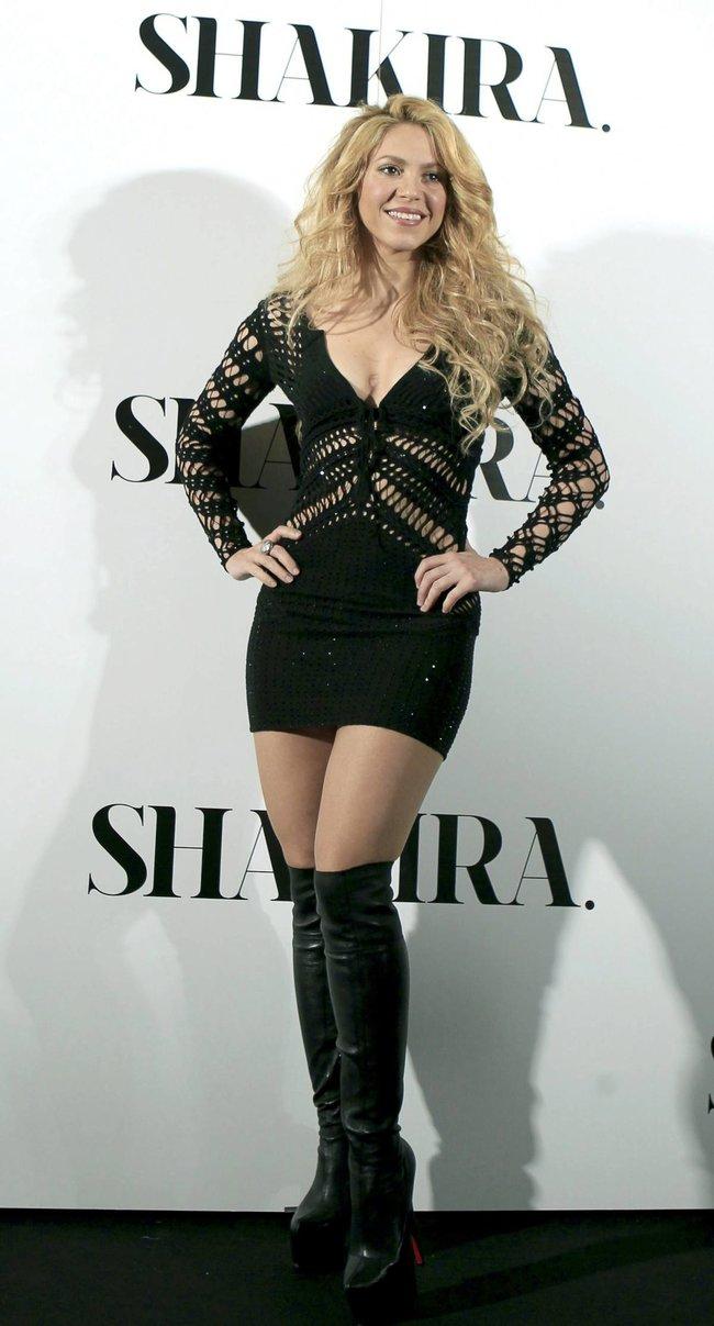 Фотоколл нового альбома Шакиры в Испании: «Shakira»: shakira-3_Starbeat.ru