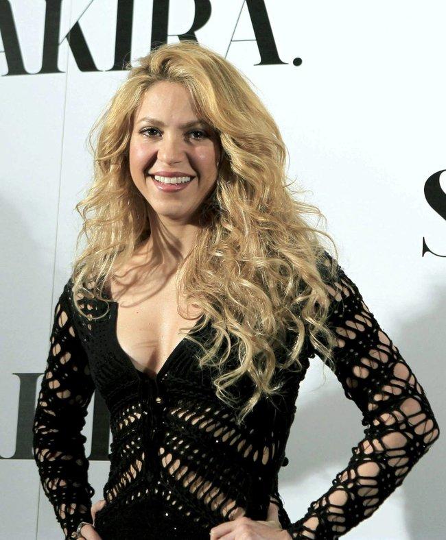 Фотоколл нового альбома Шакиры в Испании: «Shakira»: shakira-4_Starbeat.ru