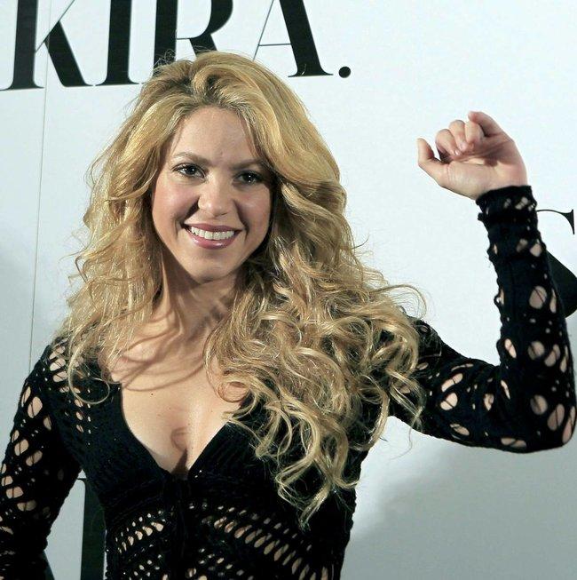 Фотоколл нового альбома Шакиры в Испании: «Shakira»: shakira-7_Starbeat.ru