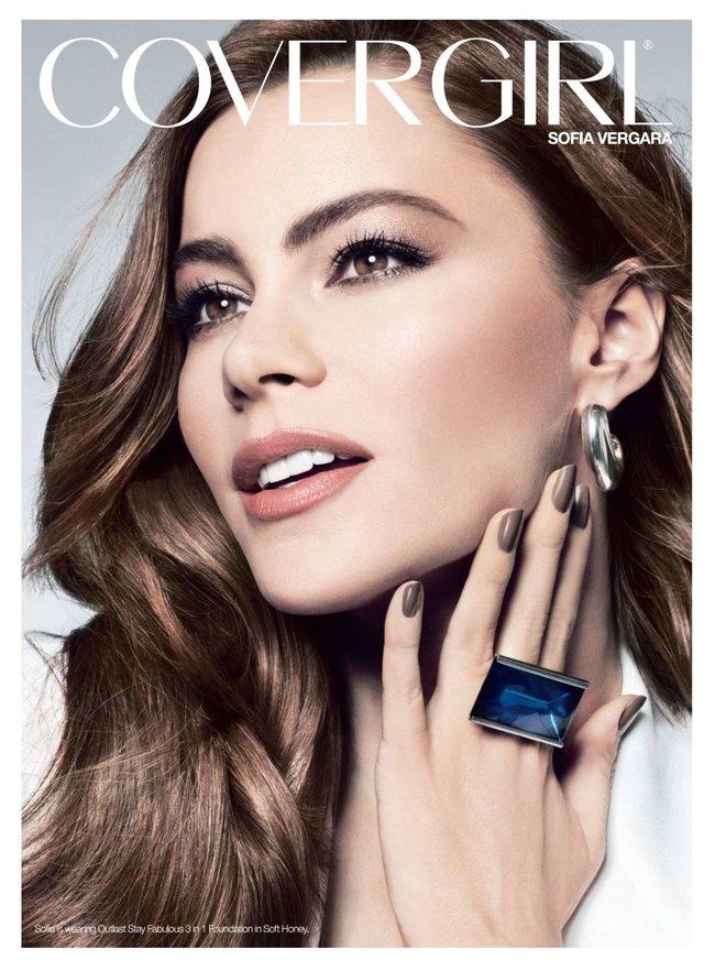 София Вергара стала лицом рекламной кампании «Covergirl»: sofia-vergara-covergirl-2014-campaign--07_Starbeat.ru