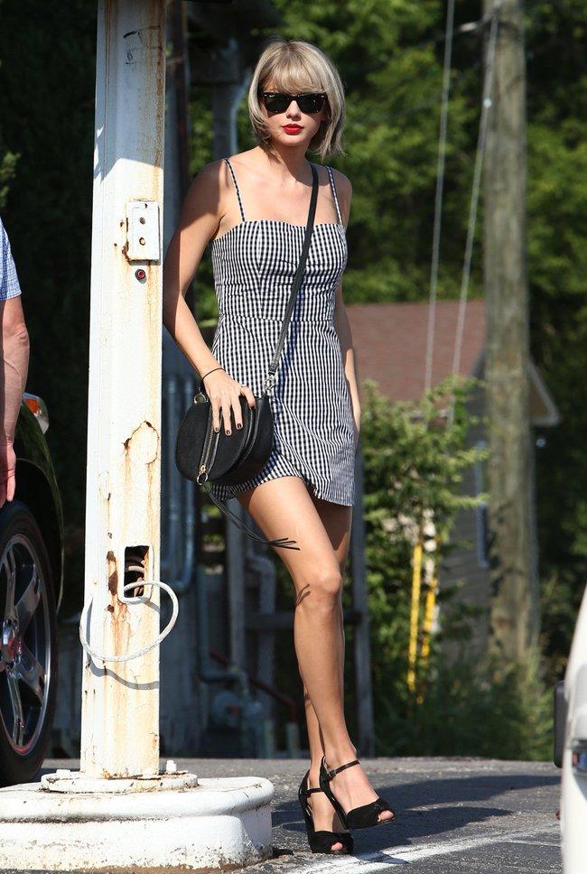 Тейлор Свифт наведелась в Нашвилл без приглашения: taylor-swift-2-1_Starbeat.ru