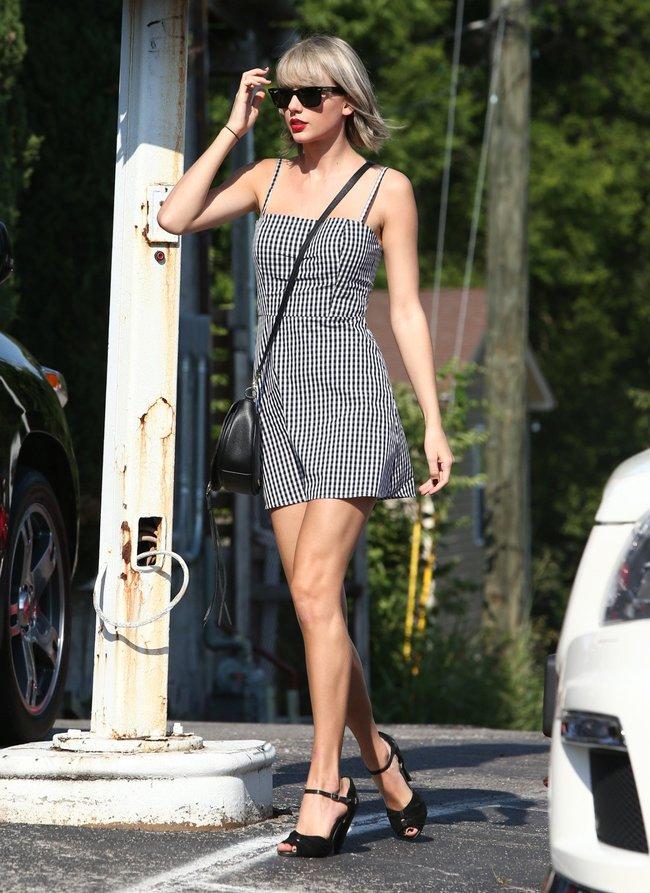 Тейлор Свифт наведелась в Нашвилл без приглашения: taylor-swift-4-1_Starbeat.ru