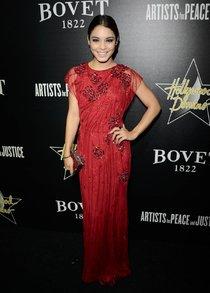 Ванесса Хадженс на гала-вечере «Hollywood Domino and Bovet 1822»: vanessa-hudgens-1_Starbeat.ru