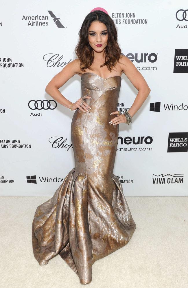 Ванесса Хадженс на «Elton John AIDS Foundation Academy Awards»: vanessa-hudgens-oscars-2014---vanity-fair-party--03_Starbeat.ru