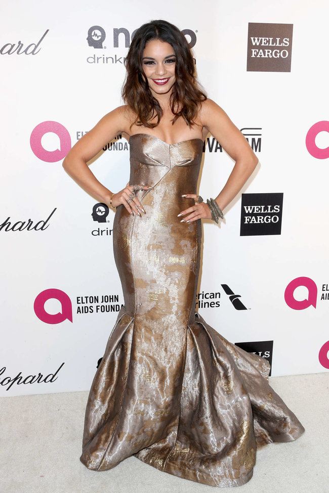 Ванесса Хадженс на «Elton John AIDS Foundation Academy Awards»: vanessa-hudgens-oscars-2014---vanity-fair-party--04_Starbeat.ru