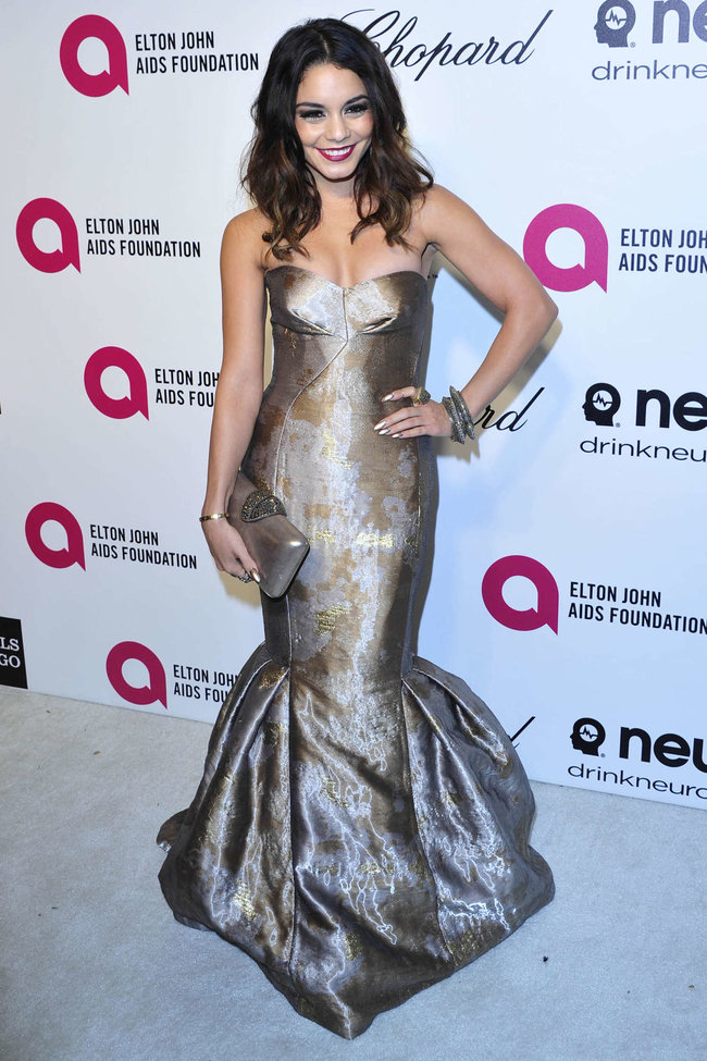 Ванесса Хадженс на «Elton John AIDS Foundation Academy Awards»: vanessa-hudgens-oscars-2014---vanity-fair-party--05_Starbeat.ru