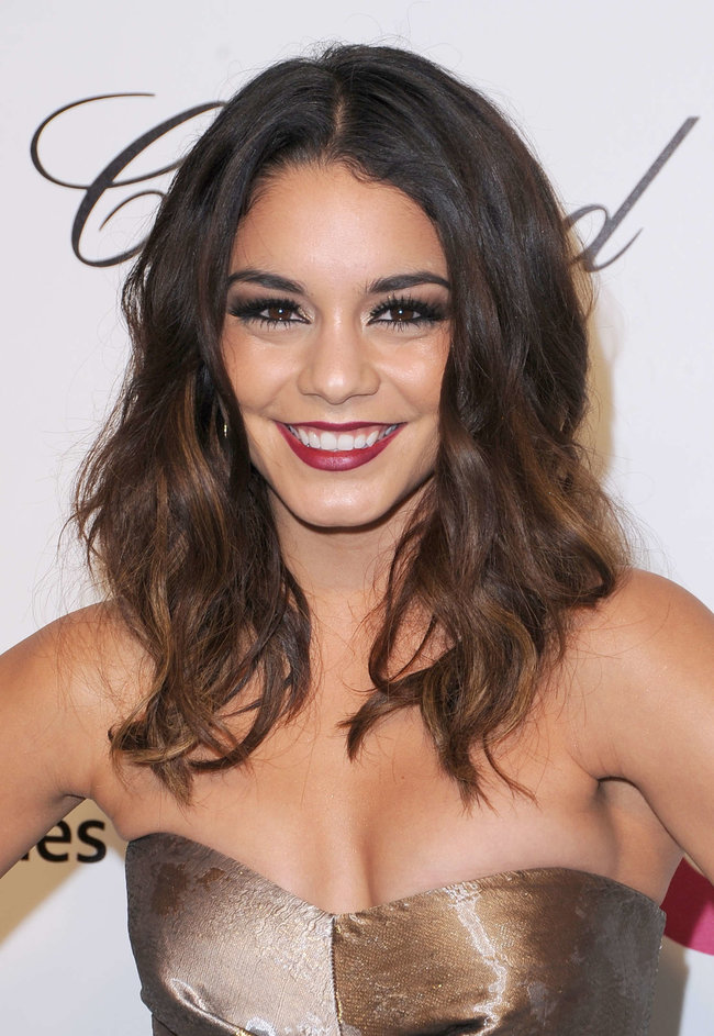 Ванесса Хадженс на «Elton John AIDS Foundation Academy Awards»: vanessa-hudgens-oscars-2014---vanity-fair-party--08_Starbeat.ru