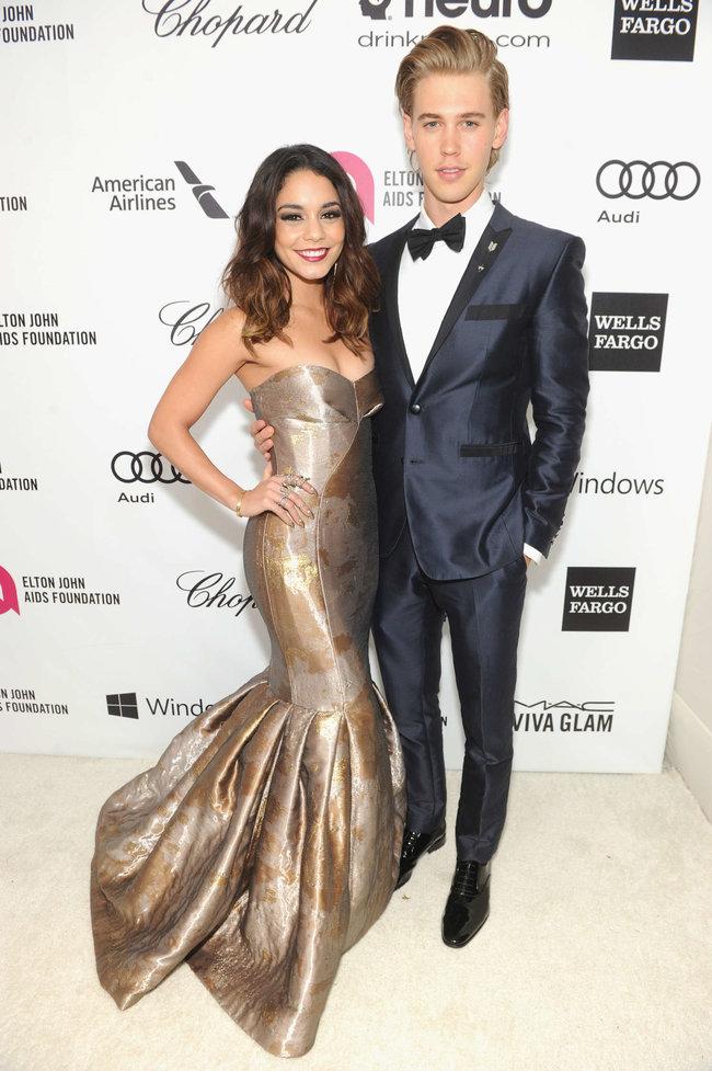Ванесса Хадженс на «Elton John AIDS Foundation Academy Awards»: vanessa-hudgens-oscars-2014---vanity-fair-party--10_Starbeat.ru