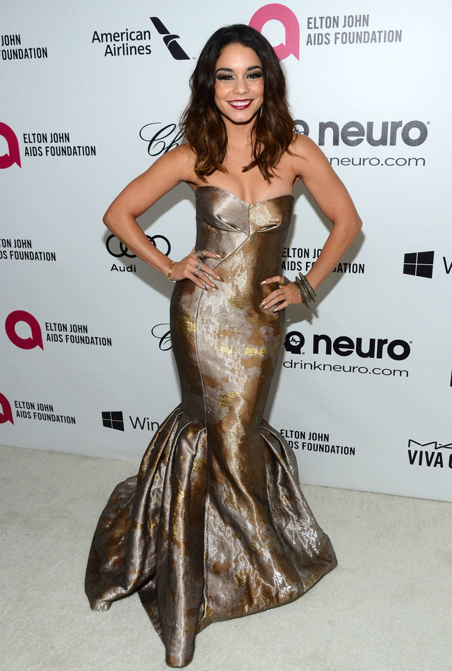 Ванесса Хадженс на «Elton John AIDS Foundation Academy Awards»: vanessa-hudgens-oscars-2014---vanity-fair-party--11_Starbeat.ru