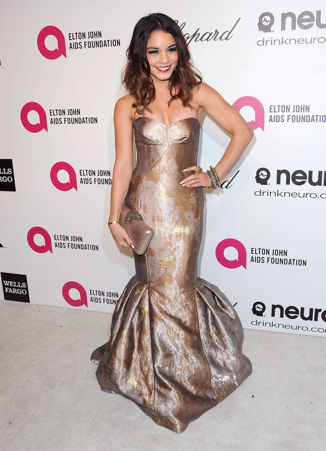Ванесса Хадженс на «Elton John AIDS Foundation Academy Awards»: vanessa-hudgens-oscars-2014---vanity-fair-party--15_Starbeat.ru