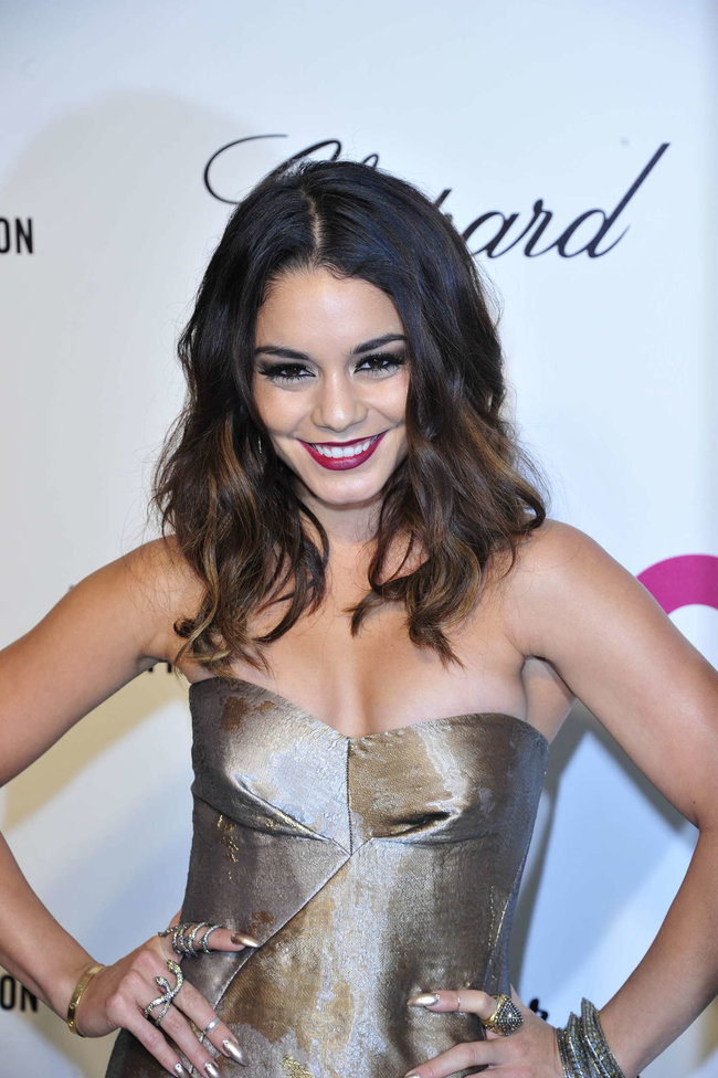 Ванесса Хадженс на «Elton John AIDS Foundation Academy Awards»: vanessa-hudgens-oscars-2014---vanity-fair-party--16_Starbeat.ru
