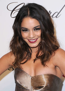 Ванесса Хадженс на «Elton John AIDS Foundation Academy Awards»: vanessa-hudgens-oscars-2014---vanity-fair-party--01_Starbeat.ru