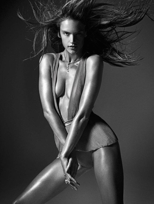 Мартовский номер журнала «W»: «Великолепная десятка моделей»: alessandra-ambrosio2_Starbeat.ru