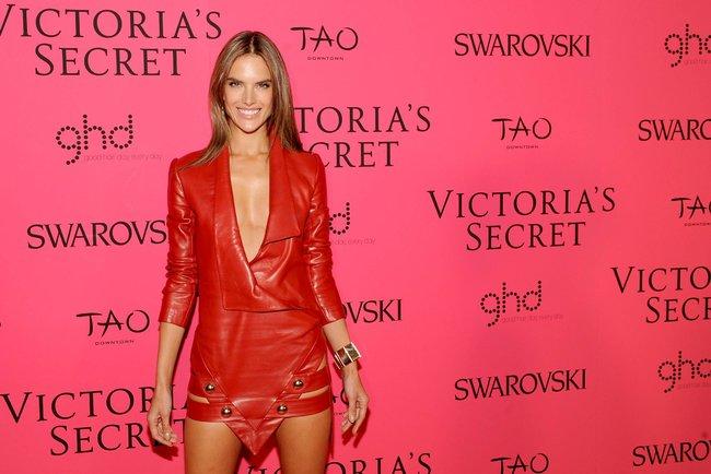 Афтепати модного показа «Victoria's Secret»: модели и гости: alessandra-ambrosio-51_Starbeat.ru