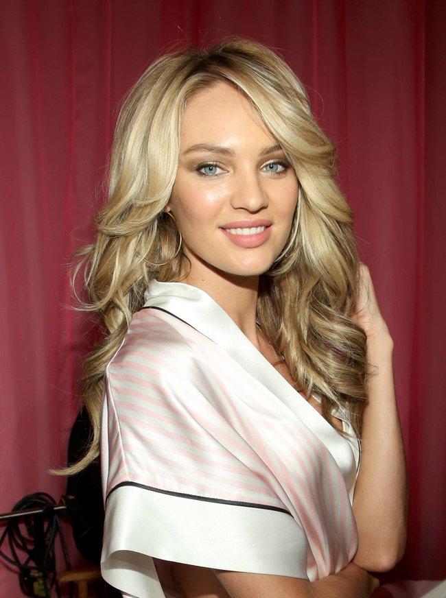 Бэкстейдж шоу «Victoria's Secret» в Нью-Йорке: все модели: candice-swanepoel-102_Starbeat.ru