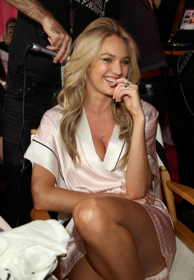 Бэкстейдж шоу «Victoria's Secret» в Нью-Йорке: все модели: candice-swanepoel-113_Starbeat.ru