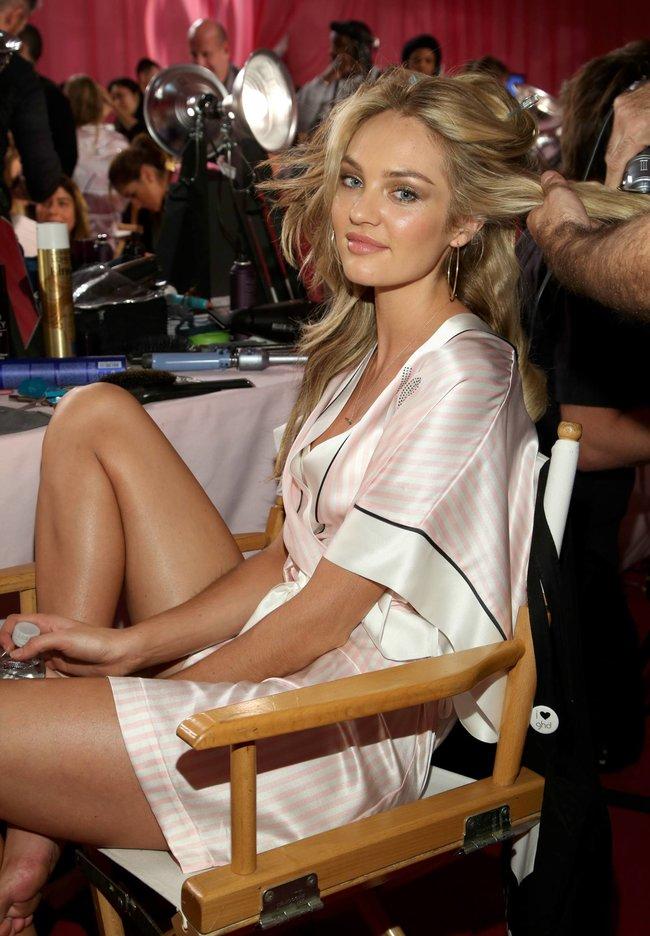 Бэкстейдж шоу «Victoria's Secret» в Нью-Йорке: все модели: candice-swanepoel-52_Starbeat.ru