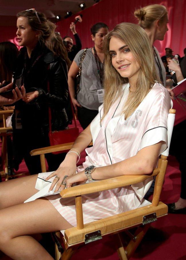 Бэкстейдж шоу «Victoria's Secret» в Нью-Йорке: все модели: cara-delavigne-3_Starbeat.ru