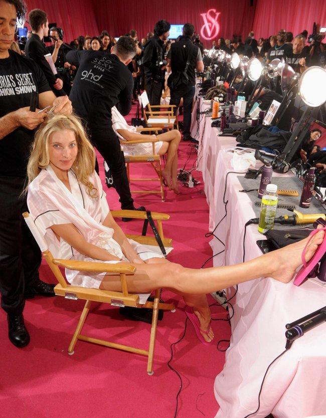 Бэкстейдж шоу «Victoria's Secret» в Нью-Йорке: все модели: elsa-hosk-5_Starbeat.ru