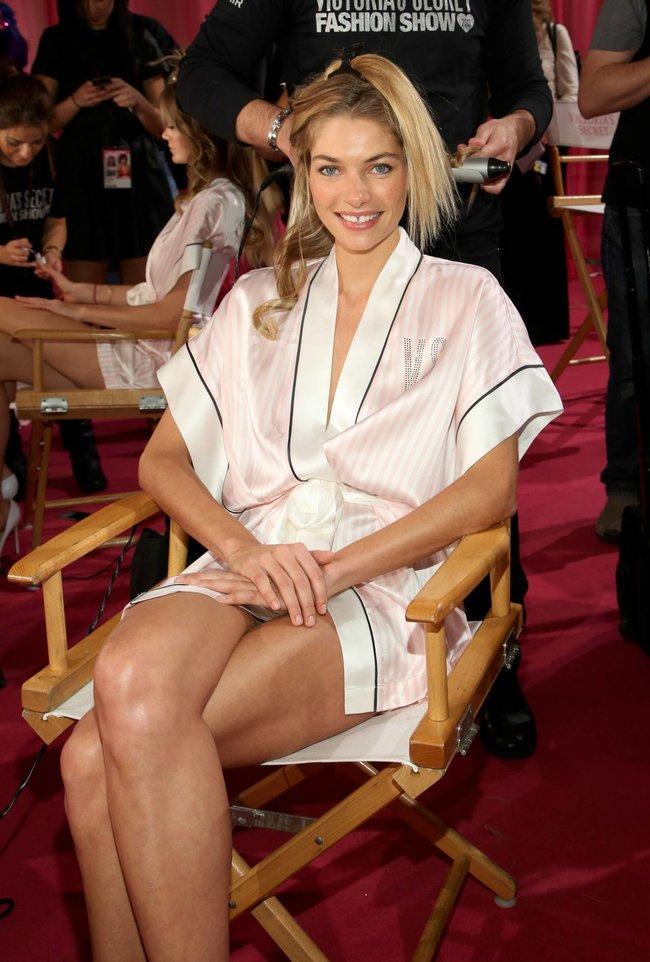 Бэкстейдж шоу «Victoria's Secret» в Нью-Йорке: все модели: jessica-hart-1_Starbeat.ru