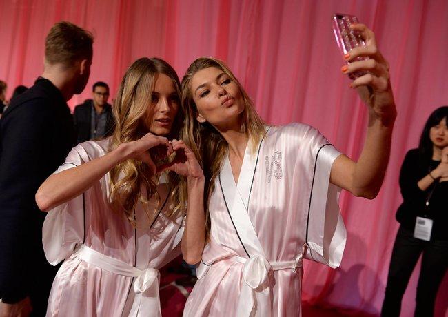 Бэкстейдж шоу «Victoria's Secret» в Нью-Йорке: все модели: jessica-hart-2_Starbeat.ru