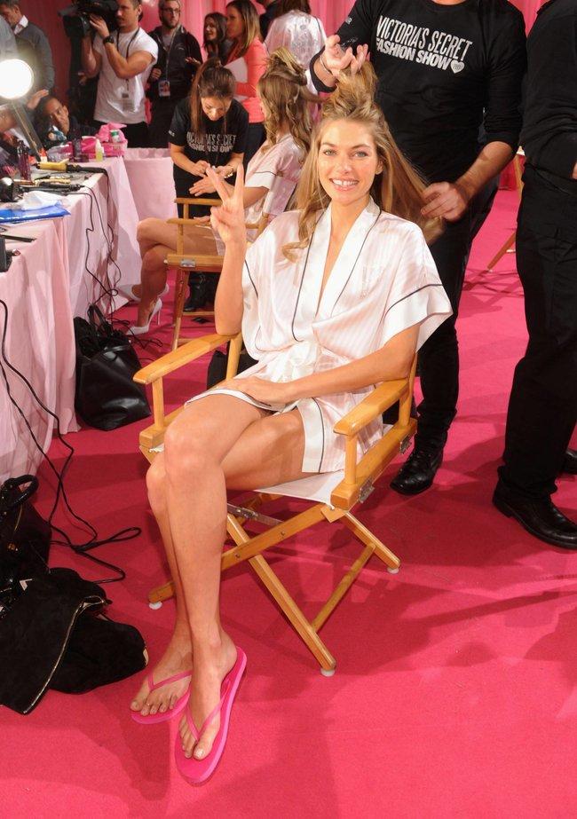 Бэкстейдж шоу «Victoria's Secret» в Нью-Йорке: все модели: jessica-hart-4_Starbeat.ru