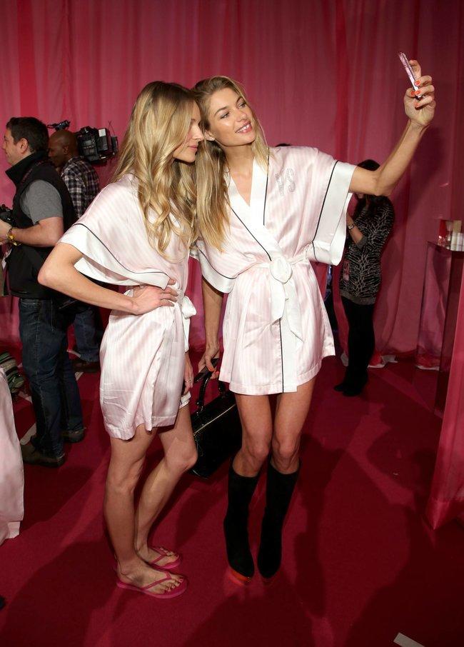 Бэкстейдж шоу «Victoria's Secret» в Нью-Йорке: все модели: jessica-hart-5_Starbeat.ru