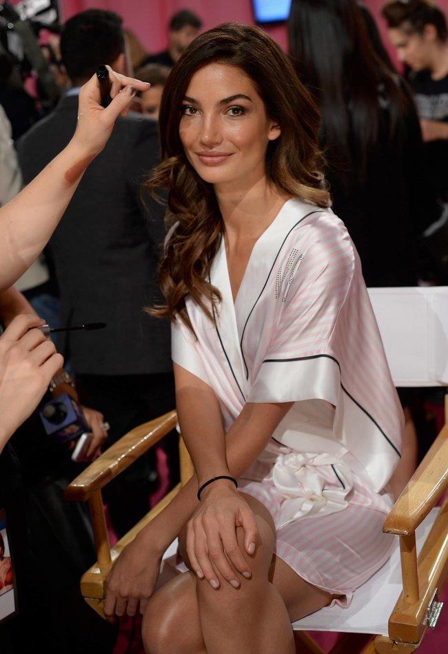 Бэкстейдж шоу «Victoria's Secret» в Нью-Йорке: все модели: lily-aldridge-1_Starbeat.ru