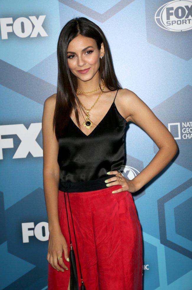 Виктория Джастис на мероприятии FOX 2016 Upfront в Нью-Йорке: victoria-justice-3-2_Starbeat.ru
