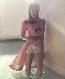 Российская топ-модель Вита Сидоркина в фотосессии для журнала Elle: vita-sidorkina-7-1_Starbeat.ru