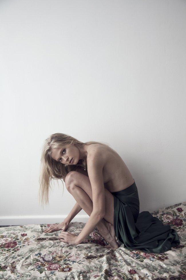 Вита Сидоркина — ягоды в ягодицах (RUSSH Magazine, апрель 2016): vita-sidorkina-3_Starbeat.ru