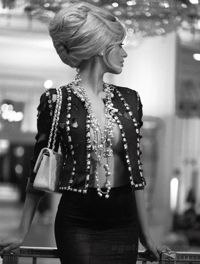 Захия Дехар в фотосессии испанского журнала «V»: zahia-dehar---v-magazine-spain--07_Starbeat.ru
