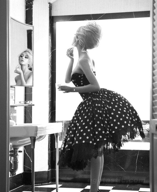 Захия Дехар в фотосессии испанского журнала «V»: zahia-dehar---v-magazine-spain--08_Starbeat.ru