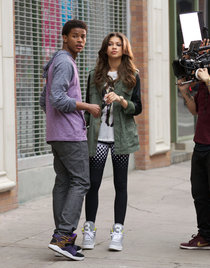 Зендая Коулман на съемках видеоклипа «Like We Grown»: Zendaya-Coleman-at-Like-We-Grown-set-02_Starbeat.ru