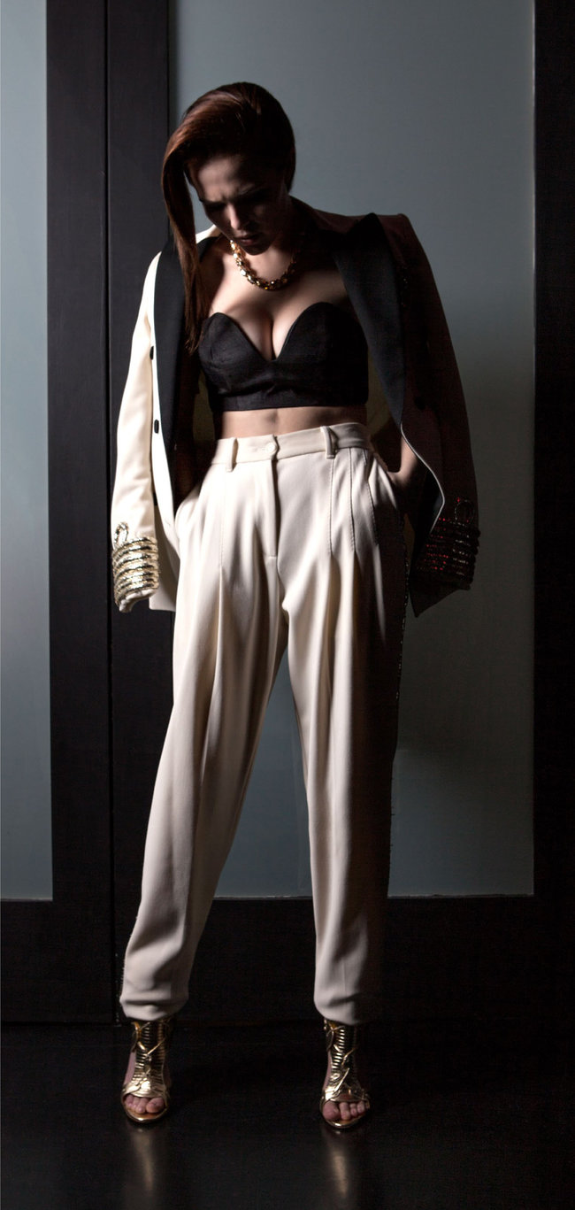 Зои Дойч: юная актриса на обложке мартовского «Bello Magazine»: zoey-deutch-bello-magazine--02_Starbeat.ru