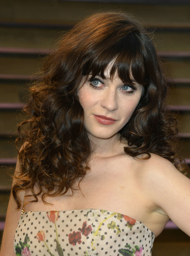 Пост-оскаровская вечеринка «Vanity Fair 2014»: Зоуи Дешанель: zooey-deschanel-oscars-2014---vanity-fair-party--08_Starbeat.ru