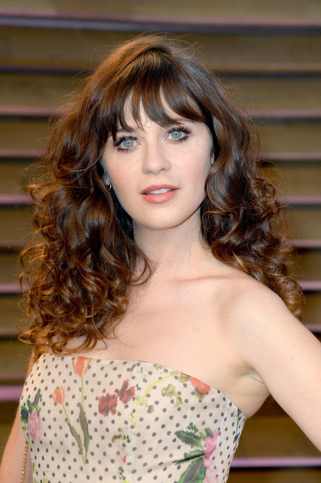 Пост-оскаровская вечеринка «Vanity Fair 2014»: Зоуи Дешанель: zooey-deschanel-oscars-2014---vanity-fair-party--10_Starbeat.ru
