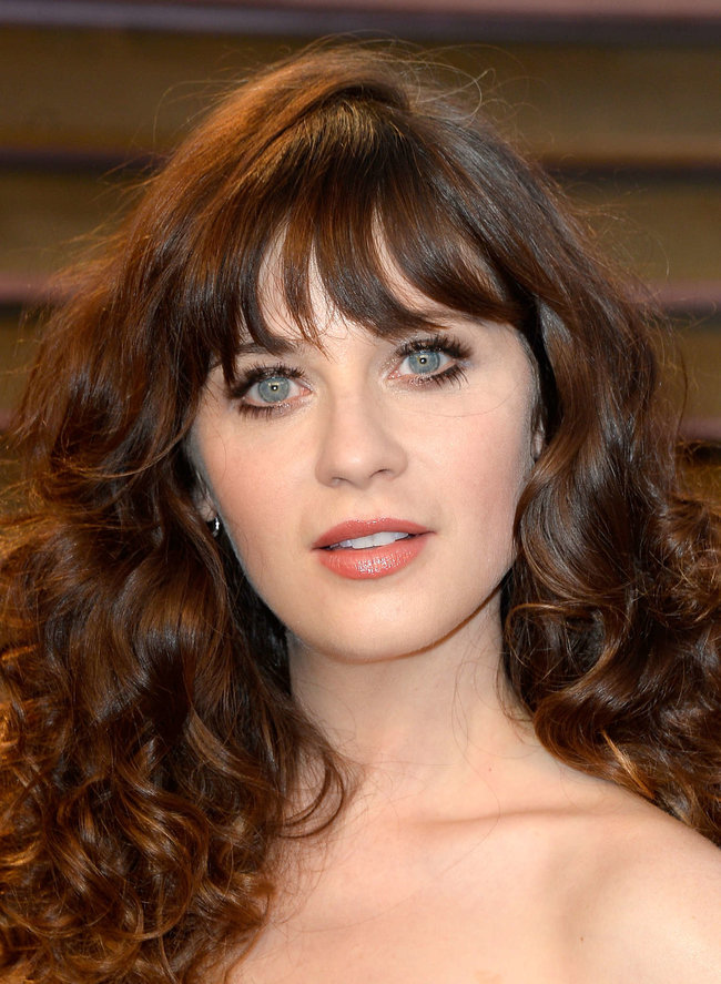 Пост-оскаровская вечеринка «Vanity Fair 2014»: Зоуи Дешанель: zooey-deschanel-oscars-2014---vanity-fair-party--11_Starbeat.ru